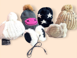 Scarves and hats mix, wholesale remaining stock