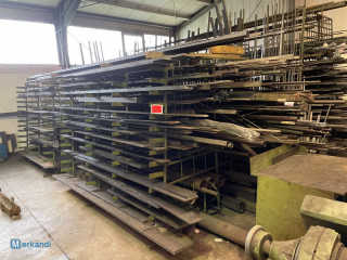 Auction: larger lot of various material + scrap