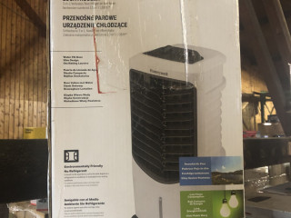 NEW | Honeywell air conditioner TC09PMW | with original packaging