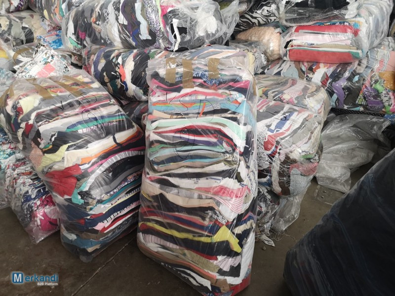 """USED CLOTHES FULL 40"""" CONTAINER"""